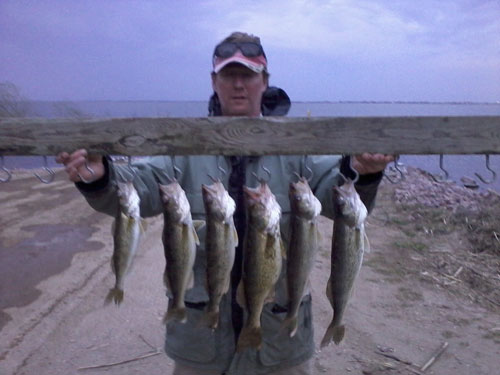 About me south dakota walleye fishing guidesouth dakota for Lake thompson sd fishing report