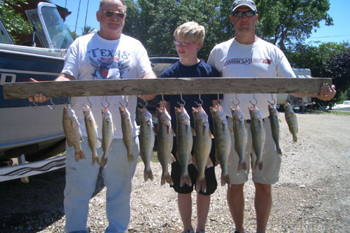 Great family day catching walleye at Pike's Haven